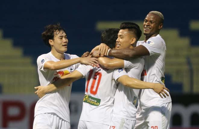 Điểm nóng vòng 11 V-League: Công Phượng bay cao cùng HAGL, Hà Nội FC sa lầy - 1