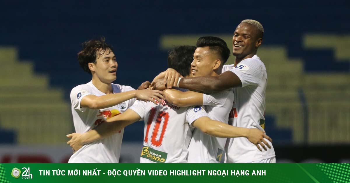 Điểm nóng vòng 11 V-League: Công Phượng bay cao cùng HAGL, Hà Nội FC sa lầy