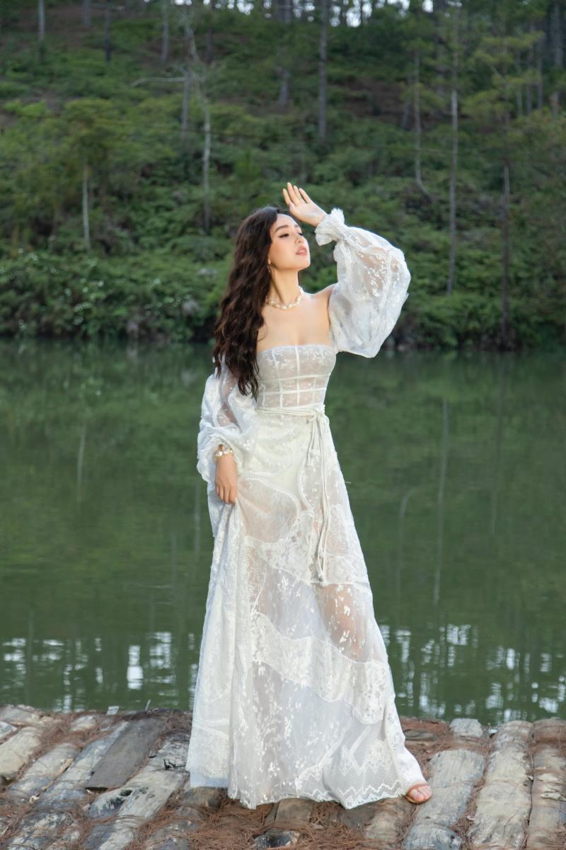Mai Phương Thuý khoe thềm ngực đầy trong bộ hình nàng thơ mùa hè - hình ảnh 6