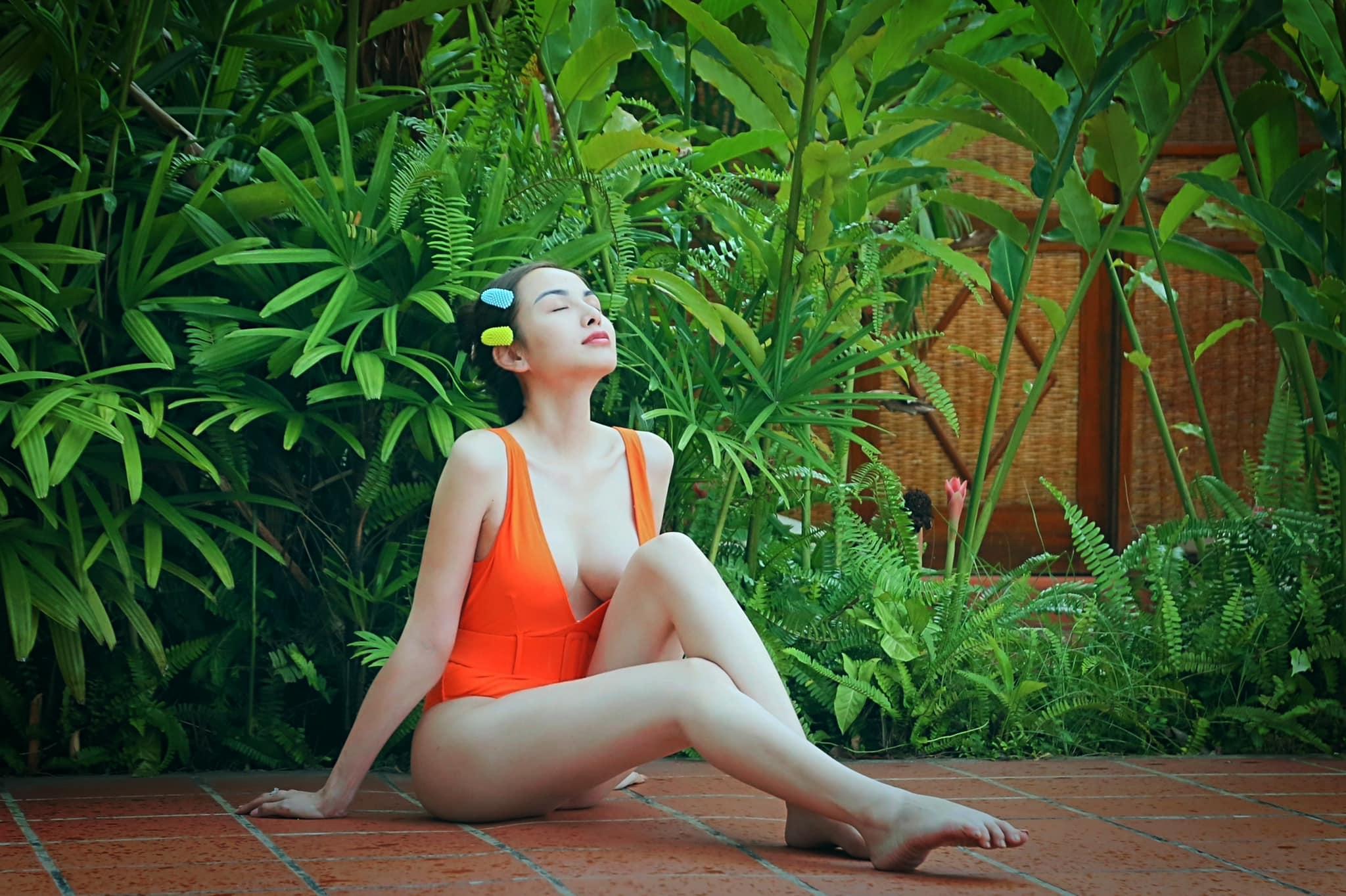 Vừa lộ cát-xê 2 tỷ đồng, mỹ nhân Việt hớp hồn với vẻ đẹp phồn thực - hình ảnh 4