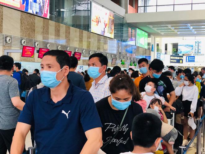 Người dân đổ về Hà Nội sau kỳ nghỉ lễ, đường phố Hà Nội khá thông thoáng - hình ảnh 8