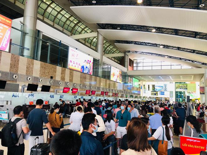 Người dân đổ về Hà Nội sau kỳ nghỉ lễ, đường phố Hà Nội khá thông thoáng - hình ảnh 9