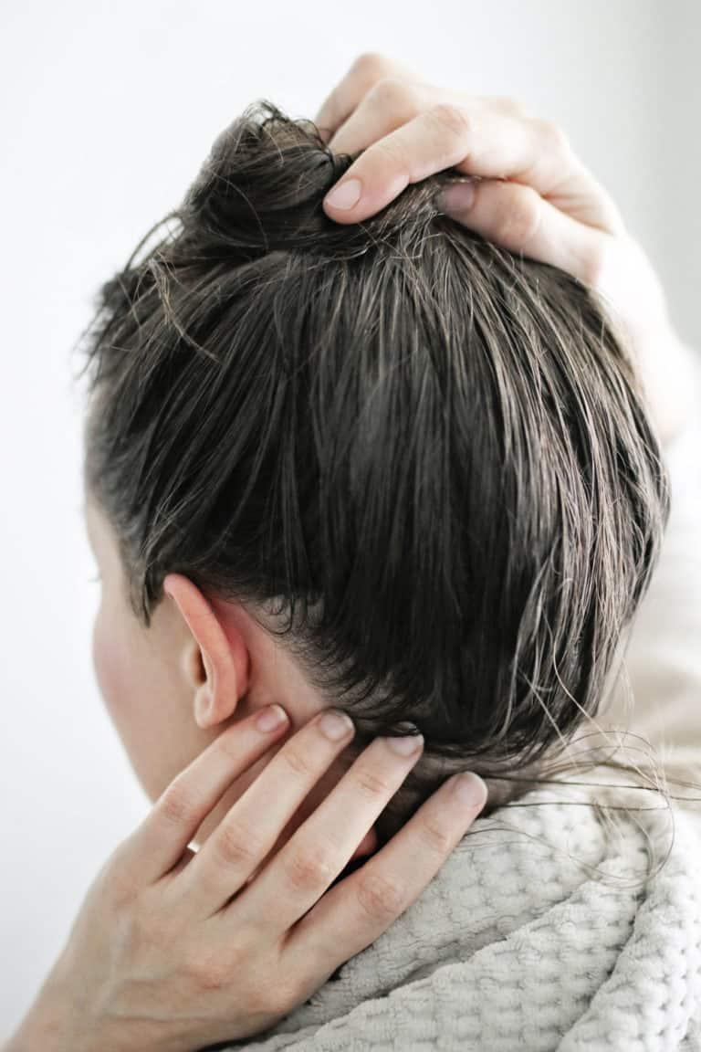 4 phương pháp hoàn hảo có thể làm ngay tại nhà trị mái tóc khô như chổi - hình ảnh 5