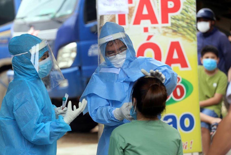 Ca COVID-19 ở Đà Nẵng chưa rõ nguồn lây, ổ dịch Hà Nam đã trải qua 3 chu kỳ lây nhiễm - hình ảnh 1