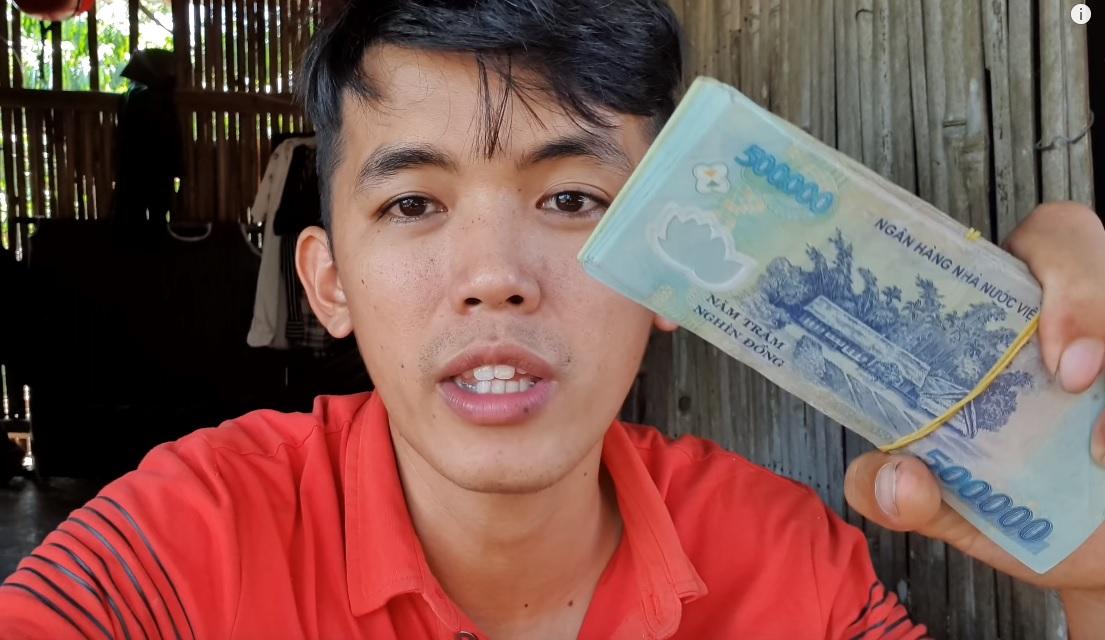 """Thu nhập của 2 YouTuber phụ hồ """"nghèo nhất"""" VN: Con số ngã ngửa - 6"""