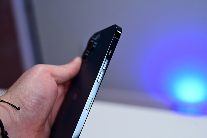 """Không phải iPhone 13, đây mới là iPhone đầu tiên có số sê-ri """"khó đoán"""" của Apple - 1"""