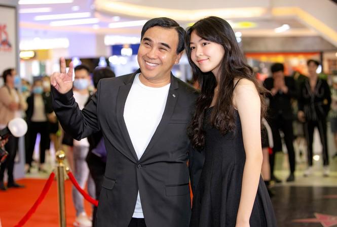 Con gái MC Quyền Linh cao 1,7m xinh như hoa hậu, fan nô nức xin làm rể - 9