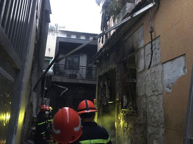 """Nhân chứng kể thời điểm """"biển lửa"""" bao trùm căn nhà khiến 8 người chết ở Sài Gòn - 1"""