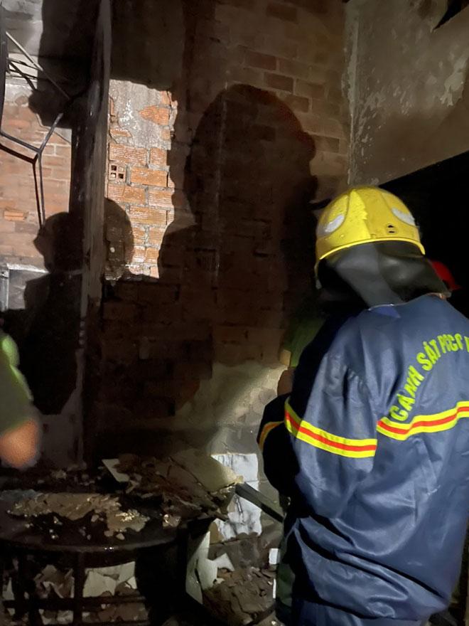 """Nhân chứng kể thời điểm """"biển lửa"""" bao trùm căn nhà khiến 8 người chết ở Sài Gòn - 2"""