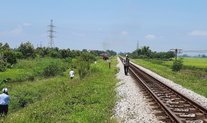 Chi tiết mới về vụ mẹ ôm thi thể con lên đường sắt Bắc - Nam - 1
