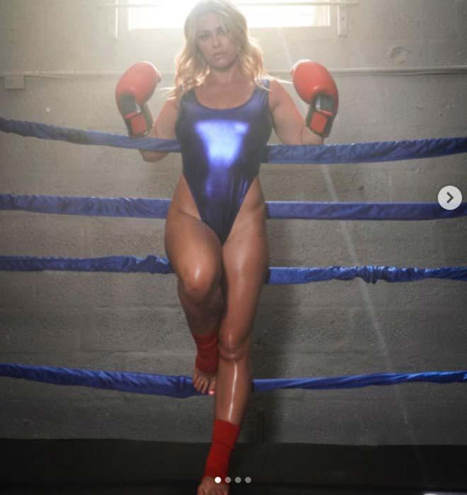 Kiều nữ UFC mặc bikini chơi Boxing, mỹ nữ đô vật diện nội y sặc sỡ - 1