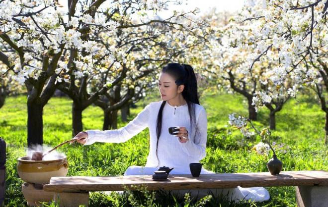 'Mai Siêu Phong' kinh điển không ăn cơm suốt 20 năm, trẻ đẹp khó tin ở tuổi ngoài 60 - 11