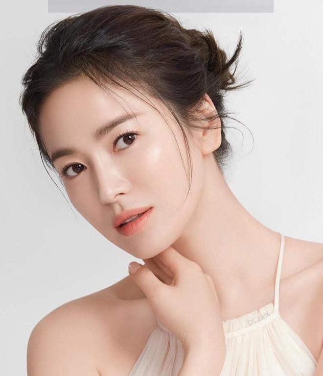 Ngược đời như Song Hye Kyo: Càng trang điểm nhẹ nhàng càng xinh đẹp hút hồn - 4