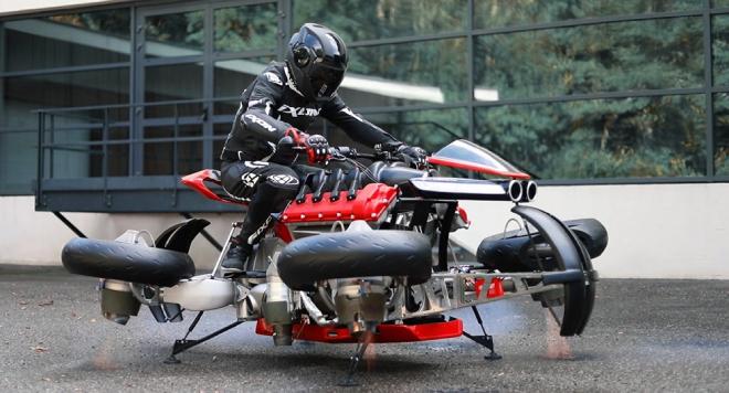 Đang chạy mô tô này xòe bánh bay lên, lái xe sắp hết nỗi lo tắc đường - 4