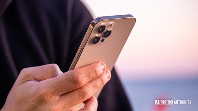 """Sau 6 tháng, iPhone 12 Pro Max còn """"ngon""""? - 4"""