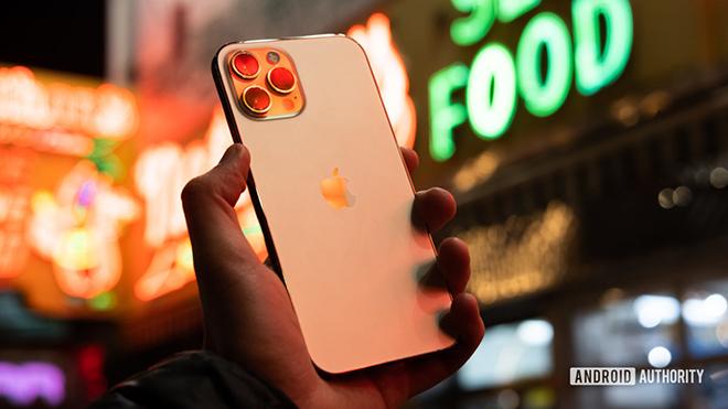 """Sau 6 tháng, iPhone 12 Pro Max còn """"ngon""""? - 1"""