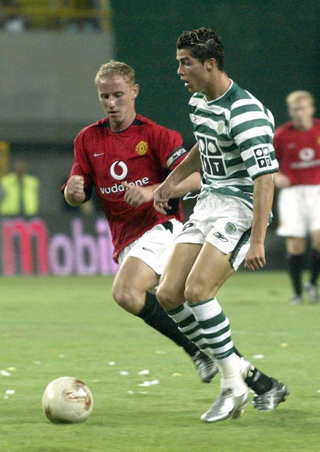 Ronaldo chia vui với đội cũ, được mẹ khuyên bỏ Juventus về Bồ Đào Nha thi đấu - 1
