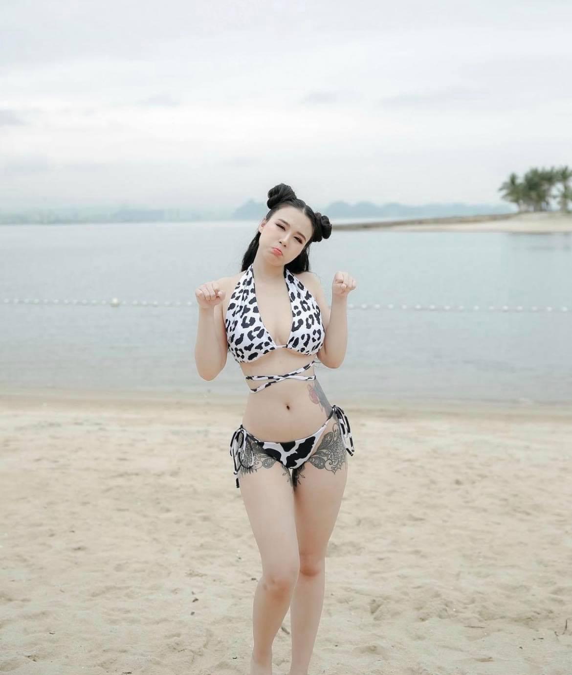 """Linh Miu khoe hình xăm kín thân với đồ bơi, vị trí """"vẩy mực"""" dễ gây hiểu lầm - 3"""