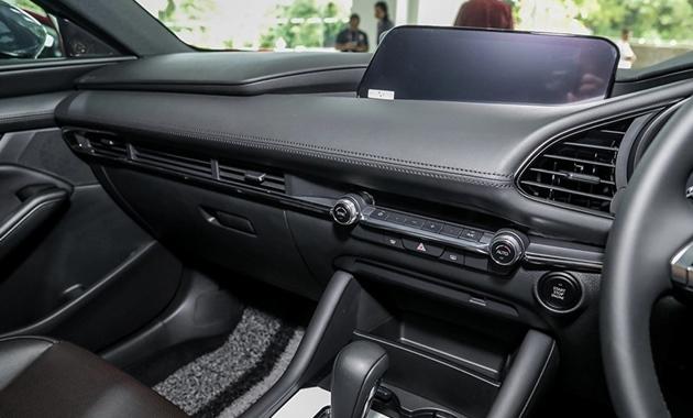 Giá xe Mazda3 tháng 05/2021 mới nhất và đánh giá nhanh - 10