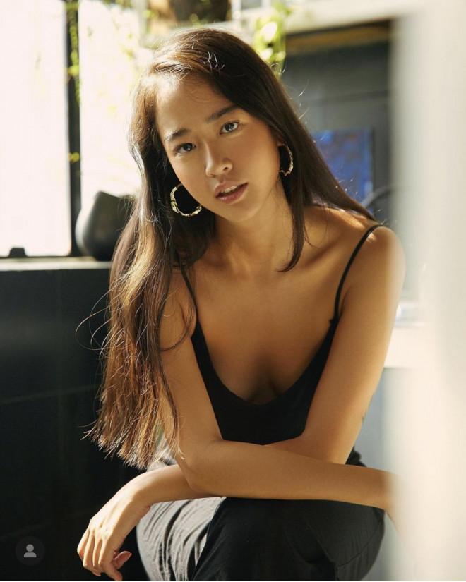 """Vẻ đẹp da nâu ngực mỏng của nữ chính trong MV """"Trốn tìm"""" của Đen Vâu - 8"""