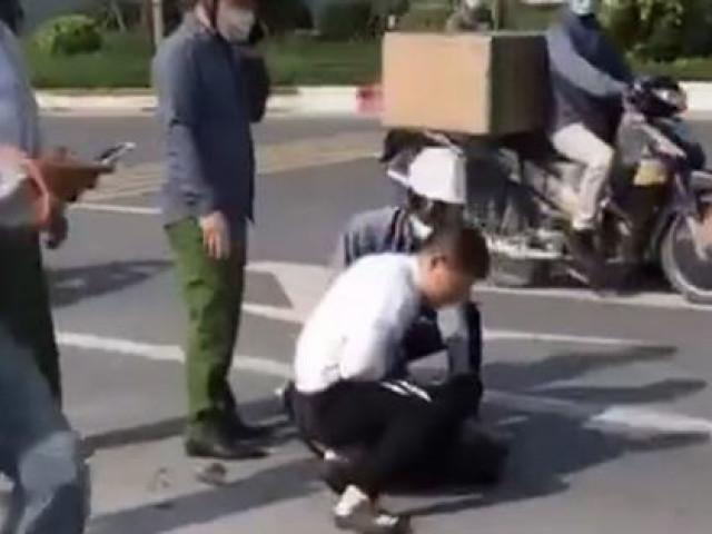 Kỷ luật chiến sĩ công an thờ ơ đứng nhìn tài xế taxi bị thương vật lộn với kẻ trốn nã - 1
