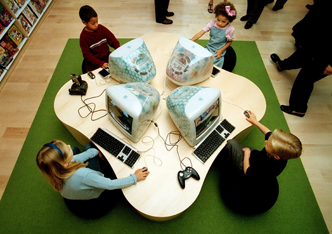 20 năm trước, Steve Jobs đã thay đổi ngành công nghiệp bán lẻ ra sao? - 3