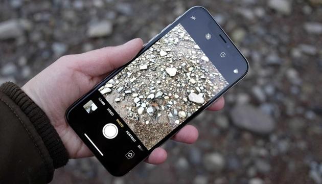 Cấu hình iPhone X chính thức và so sánh với iPhone 12 - 2