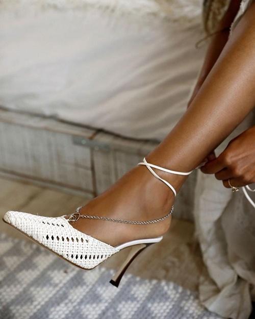 10 thương hiệu giày tuyệt đẹp cho cô nàng da nâu - hình ảnh 1