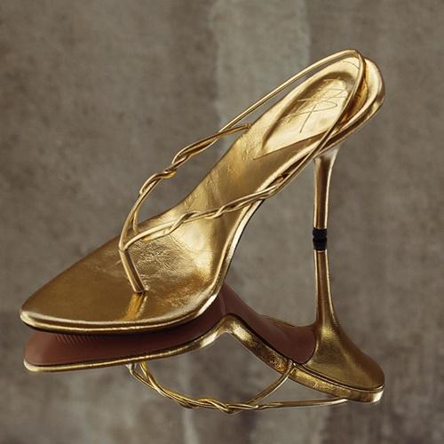 10 thương hiệu giày tuyệt đẹp cho cô nàng da nâu - hình ảnh 2