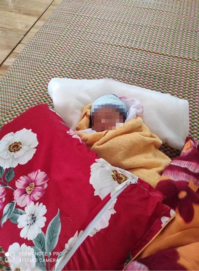 Xót xa hình ảnh bé 3 ngày tuổi phải cách ly vì mẹ mắc COVID-19 - 4