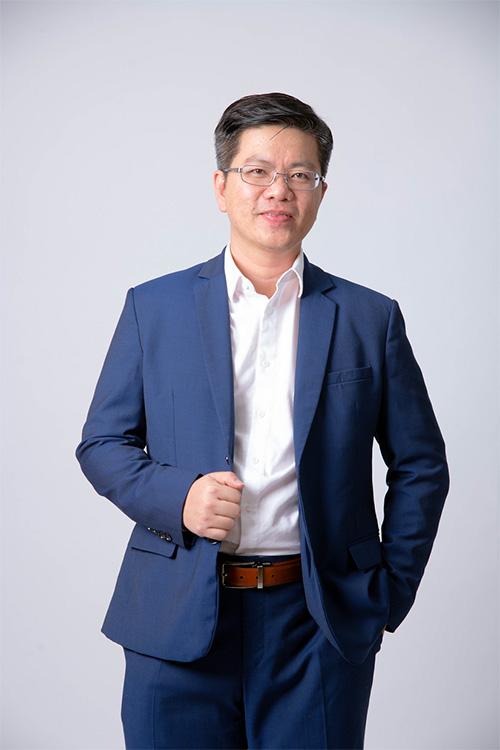 Phiên dịch viên Khang Nguyễn: Đam mê là chìa khóa thành công trong ngành ngôn ngữ - 1