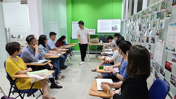 Phiên dịch viên Khang Nguyễn: Đam mê là chìa khóa thành công trong ngành ngôn ngữ - 3