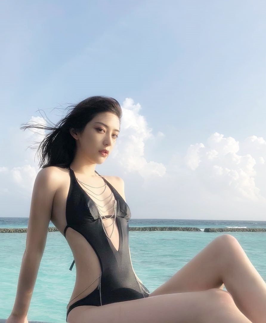 """Người mẫu Trung Quốc có 4 triệu fan """"tắm… trong ớt"""" để có """"mình gọn thân thon"""" - hình ảnh 5"""
