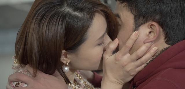 """Hồng Diễm nói không với cảnh hôn suốt 10 năm yêu trên phim, Hồng Vân """"kiêng"""" mía - hình ảnh 3"""