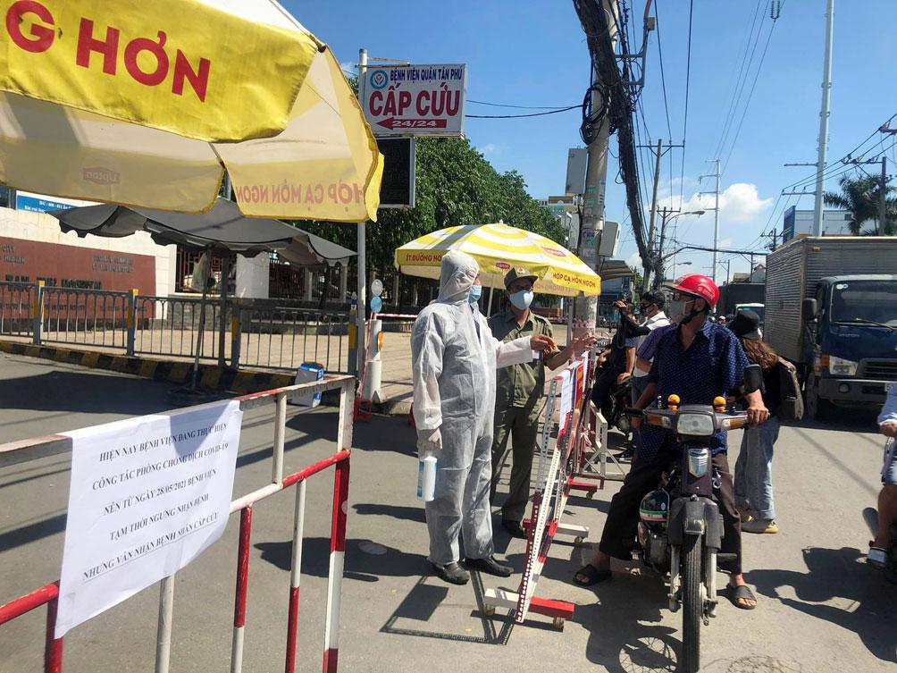 TP.HCM: Phong tỏa bệnh viện quận Tân Phú - hình ảnh 8