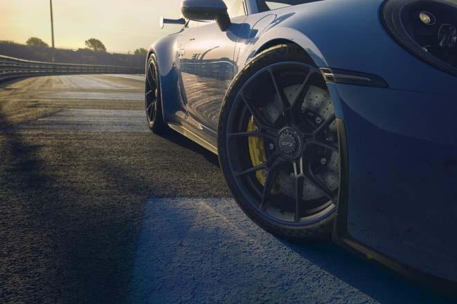 Porsche 911 GT3 2022 ra mắt, chào giá các đại gia từ 13,2 tỷ đồng - 5