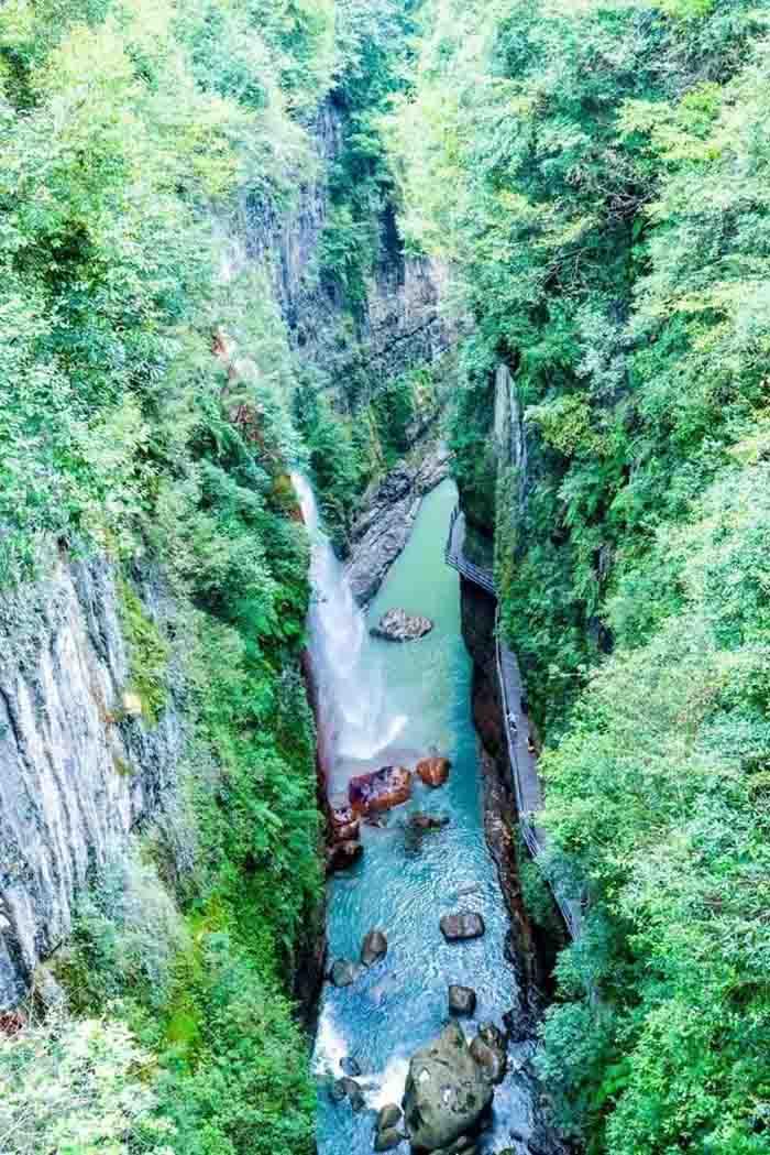10 hẻm núi kỳ vĩ của Trung Quốc, xứng danh kiệt tác của tạo hóa - hình ảnh 3