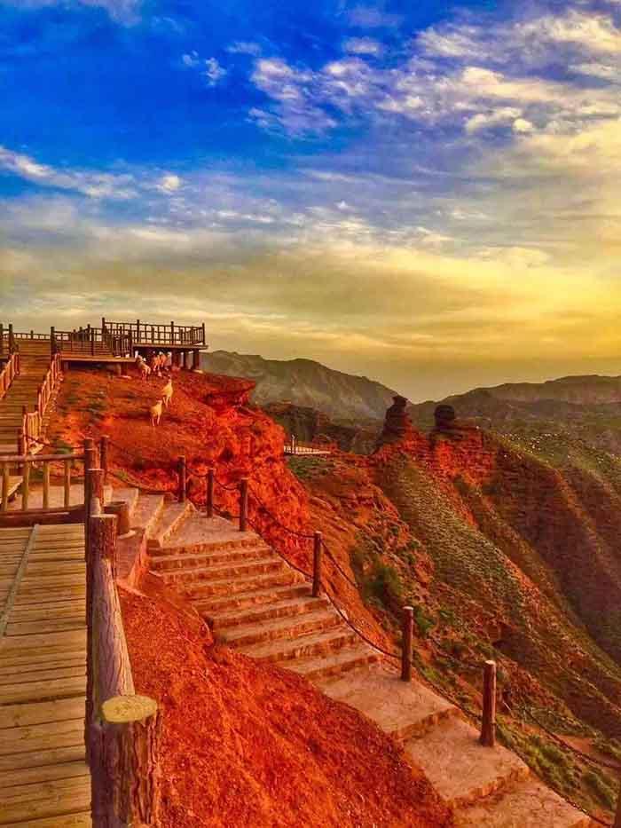 10 hẻm núi kỳ vĩ của Trung Quốc, xứng danh kiệt tác của tạo hóa - hình ảnh 4