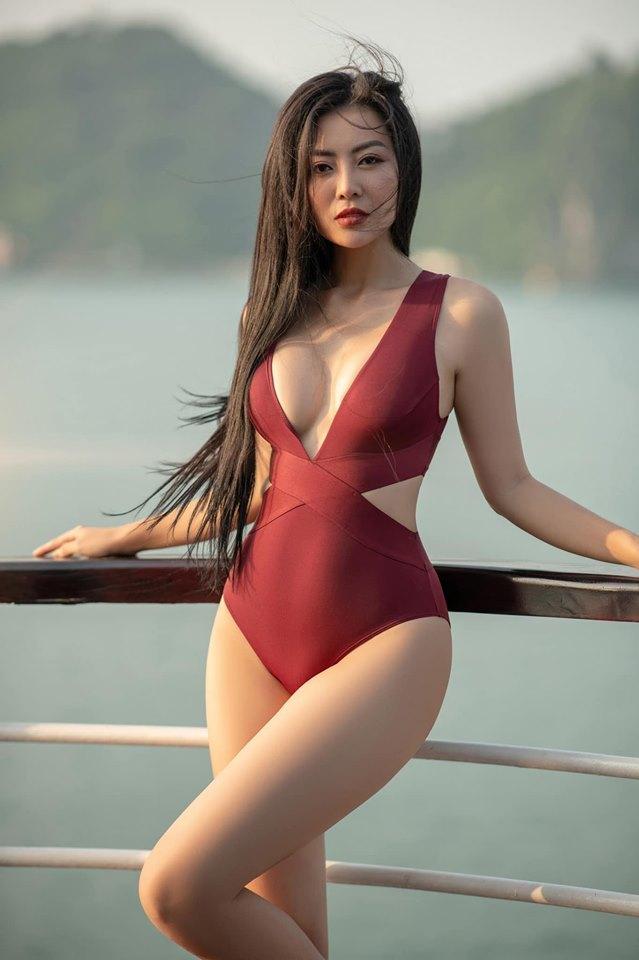 Sao nữ trên phim ngoan hiền, ngoài đời lại có gu ăn mặc sexy thế này đây - hình ảnh 5
