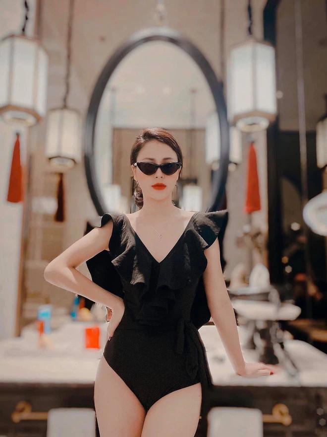 Sao nữ trên phim ngoan hiền, ngoài đời lại có gu ăn mặc sexy thế này đây - hình ảnh 9