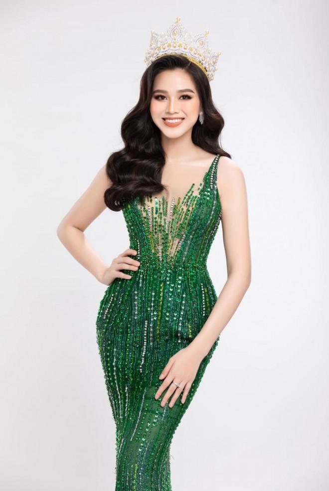 """Hoa hậu Đỗ Thị Hà khoe thân hình đồng hồ cát, thần thái chuẩn """"beauty queen"""" - 4"""