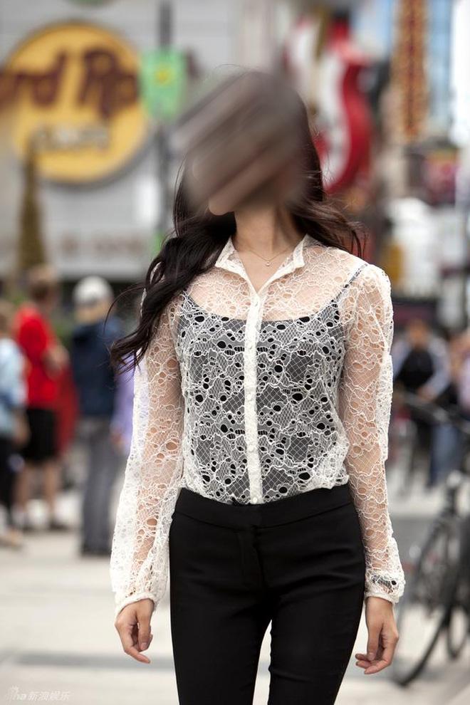 """""""Tai nạn"""" váy dính người của chị em còn chưa phản cảm bằng kiểu mặc này - hình ảnh 2"""