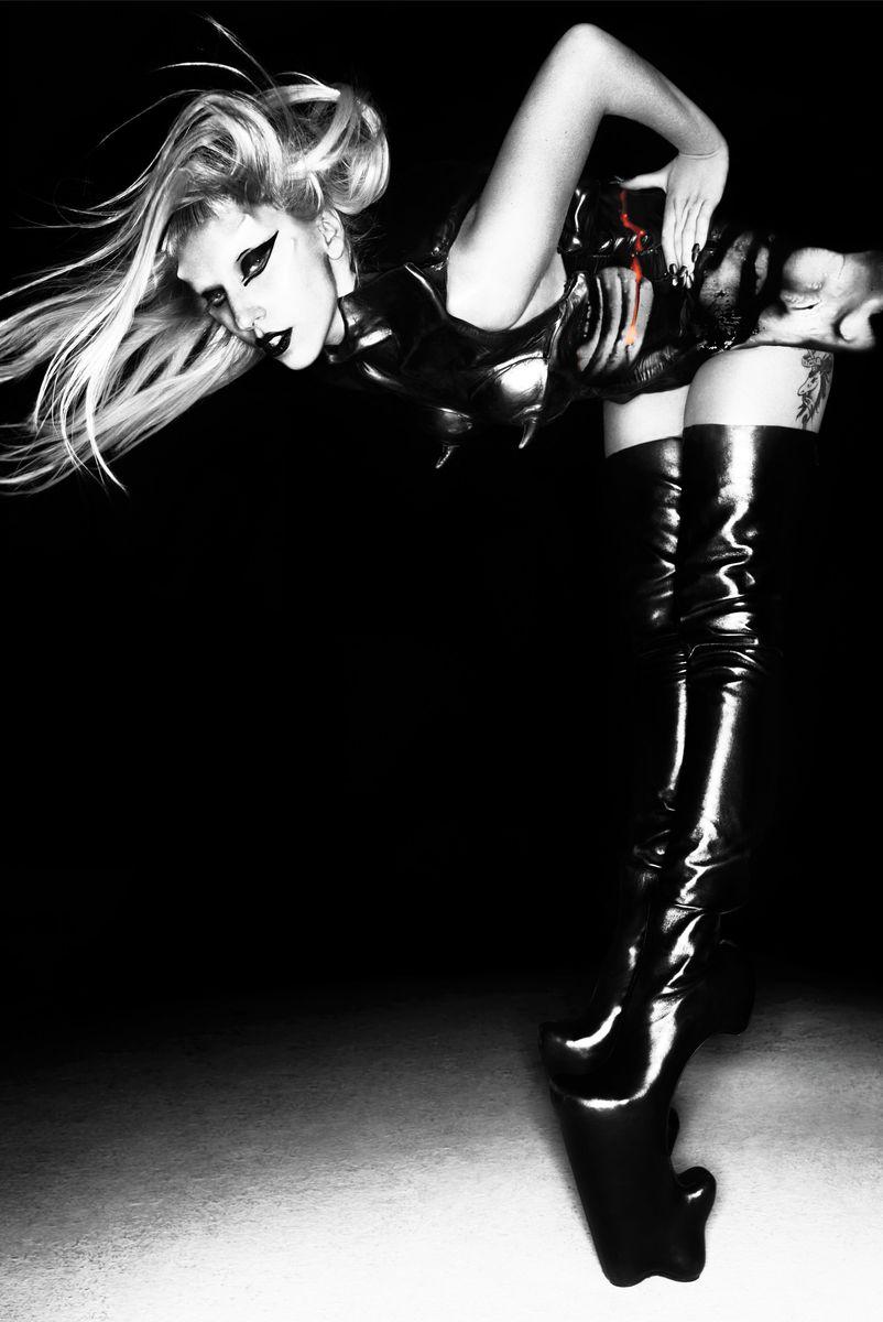"""Khoảnh khắc thời trang ấn tượng nhất trong kỷ nguyên """"Born this way"""" của Lady Gaga - hình ảnh 2"""