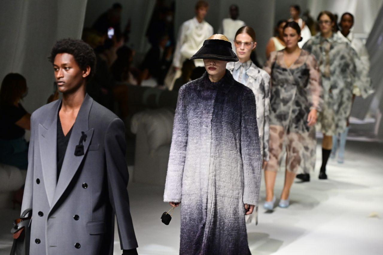 Thời trang thực tế trở lại với Tuần lễ thời trang nam Milan xuân/hè 2022 - hình ảnh 3