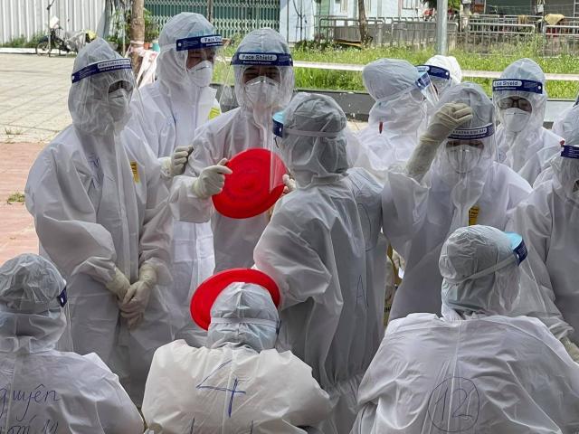 Gần 30 nghìn cán bộ y tế, sinh viên Y Dược đã có mặt tại tâm dịch Bắc Giang - hình ảnh 1