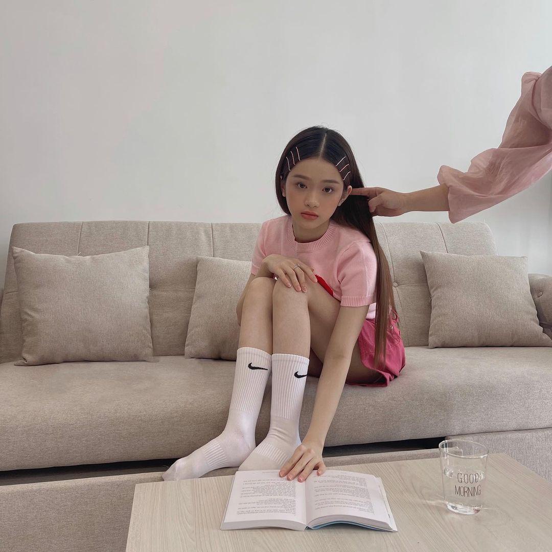 Linh Ka gây xót xa vì khẳng khiu như học sinh tiểu học, dáng hình nóng bỏng nay còn đâu! - hình ảnh 1