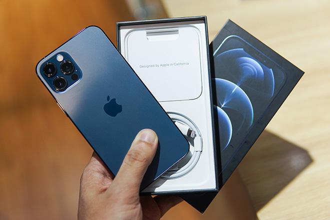 iPhone 12 đang vượt trội ra sao so với iPhone 11? - 1