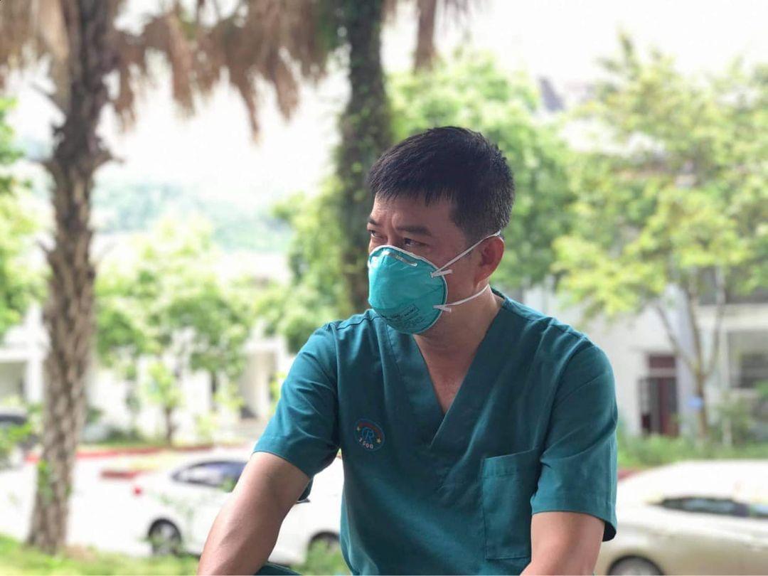 """Bác sĩ BV Chợ Rẫy: """"Chúng tôi căng thẳng hơn vì bệnh nhân nặng tăng nhanh và còn trẻ quá"""" - hình ảnh 1"""