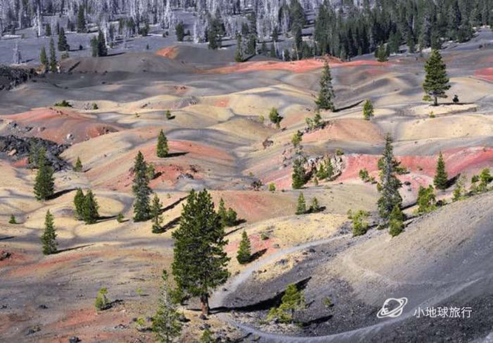 Cồn cát đầy màu sắc trông như một bức tranh sơn dầu trong công viên núi lửa - hình ảnh 6