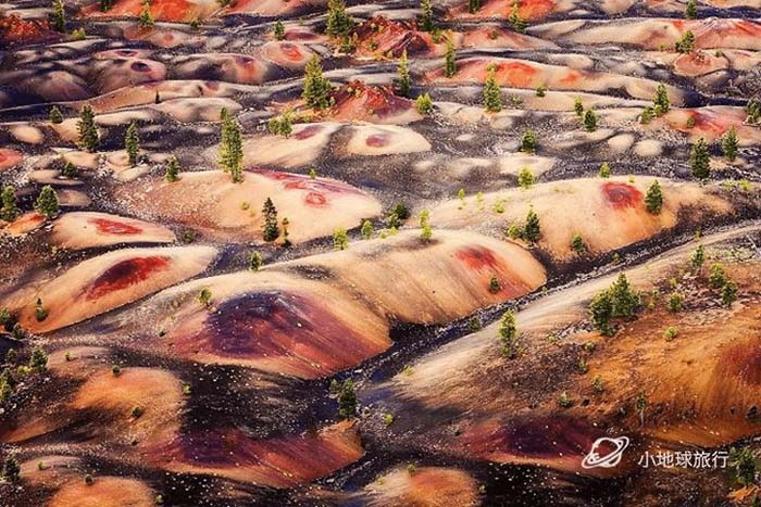 Cồn cát đầy màu sắc trông như một bức tranh sơn dầu trong công viên núi lửa - hình ảnh 7